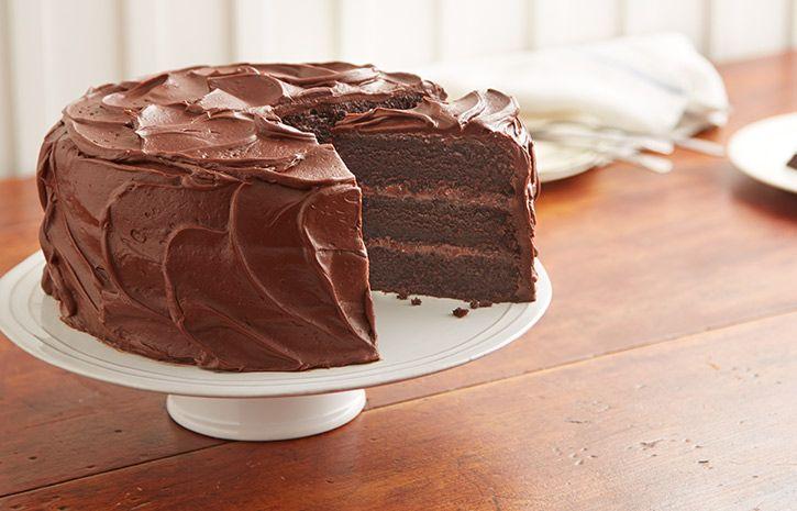 """HERSHEY'S """"PERFECTLY CHOCOLATE"""" Chocolate Cake Recipe"""