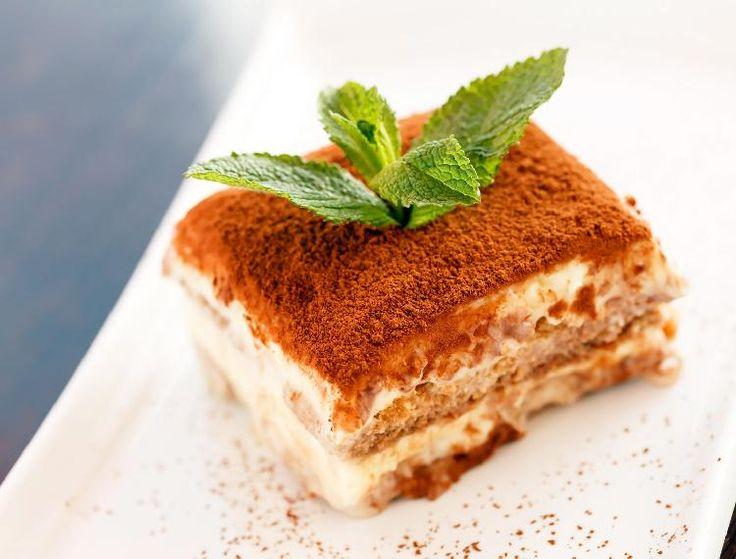 Nada más que agregar en una buena comida que un delicado y sabroso postre Napoleón.