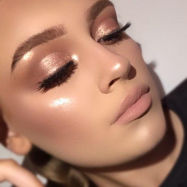 Eyes- @morphebrushes x @jaclynhill palette @maccosmetics 'tan' pigment Brows- @nyxcosmetics micro brow Blush- @toofaced sweetheart Bronzer- @benefitcosmeticsuk hoola Lashes- @sosu_bysuzannejackson Base- @fentybeauty Glow- @anastasiabeverlyhills @norvina thatgliw GK Brushes- @morphebrushes - - - #morphexjaclynhill #morphebrushes #nyxcosmetics #makeup #anastasiabeverlyhills #norvina #abhglowkit #morphebabe #fentybeauty