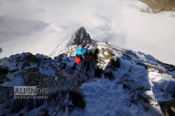 Knifflige Kletterstelle am Weg zum Piz Buin. Erlebe traumhafte Hochtouren mit dem Bergführer von Alpindis.at Wiesbadenerhütte, Silvretta Hochalpenstraße, Bielerhöhe