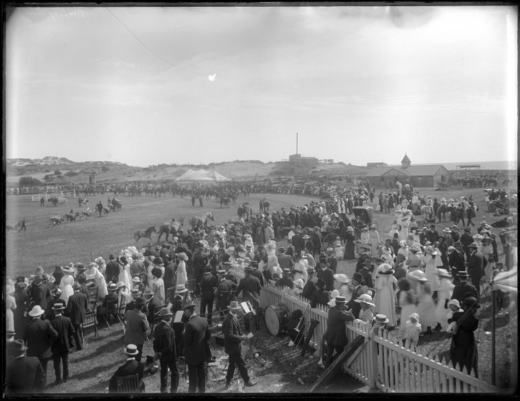 229220PD: Bunbury Agricultural Show, 1913 http://encore.slwa.wa.gov.au/iii/encore/record/C__Rb4610593?lang=eng
