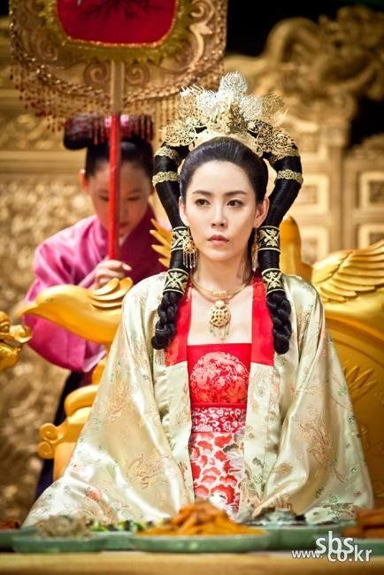 Korea, Goryeo Dynasty, Royal Court Attire, from The Great Seer (hairstyle is Mongol princess)