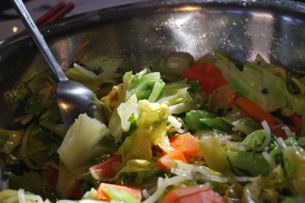 Рецепты приготовления салатов из капусты на зиму