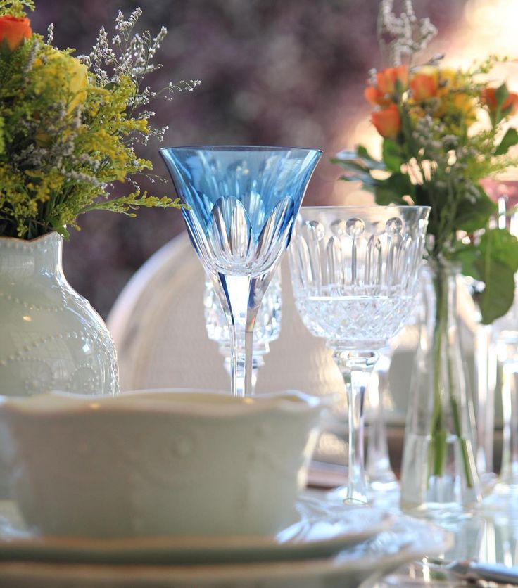 Taças Strauss para ficar apaixonada #casaestilopresentes (16)98126-9495 #azul #mood #listadechabar #listadepresentes #listadecasamento #taças #strauss #cristal #porcelana
