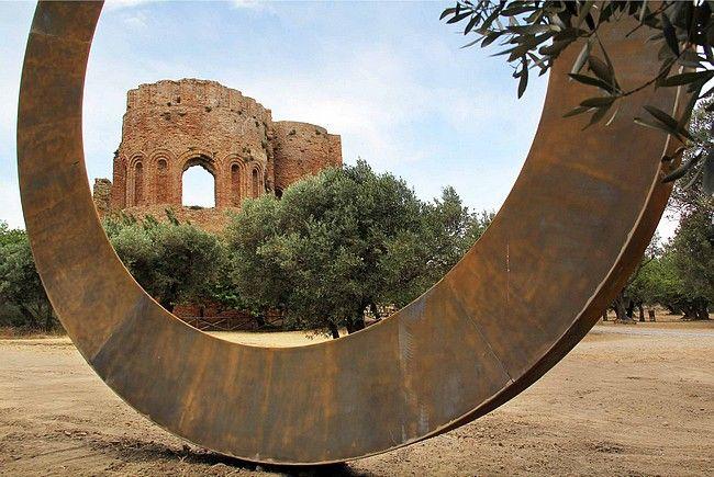 mauro staccioli scultore / anello, parco archeologico scolacium-roccelletta di borgia-calabria