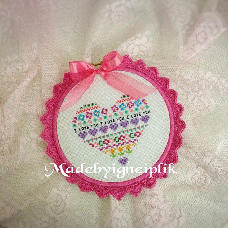 Crochet frame / crossstitch I LOVE YOU İnstagram /@madebyigneiplik