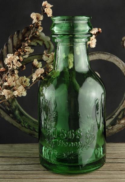 Pretty green bottle. I'm a sucker for glass bottles.