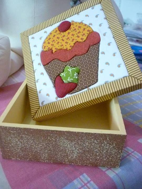 caja con pastel