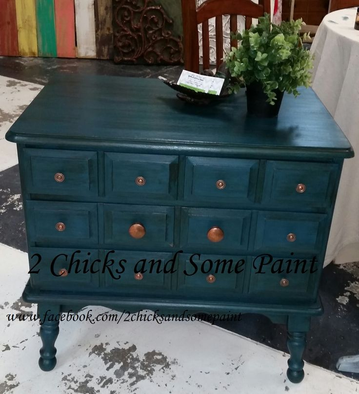 Sweet Thomasville Teal 3-Drawer Side-Chest.  CeCe Caldwell's Thomasville Teal paint, glazed with CeCe's Hickory + Finish Stain, finished with CeCe's Endurance.  Knobs detailed with CeCe's Bingham Canyon Copper Enhancement.  www.facebook.com/2chicksandsomepaint.com