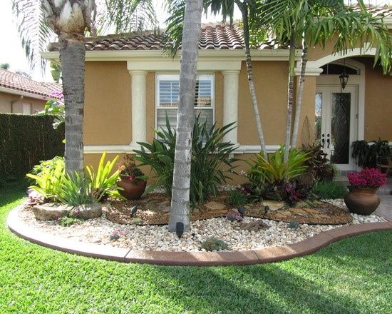 Front yard landscaping in florida tropical landscape for Front garden inspiration