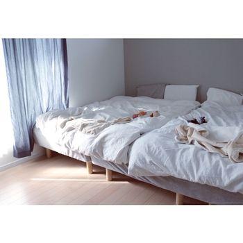 スモールサイズやシングルサイズをぴたりとつけて並べれば、家族みんなで寝られる大きなベッドが完成。ライフスタイルに合わせて、バラバラにも使えるので便利です。