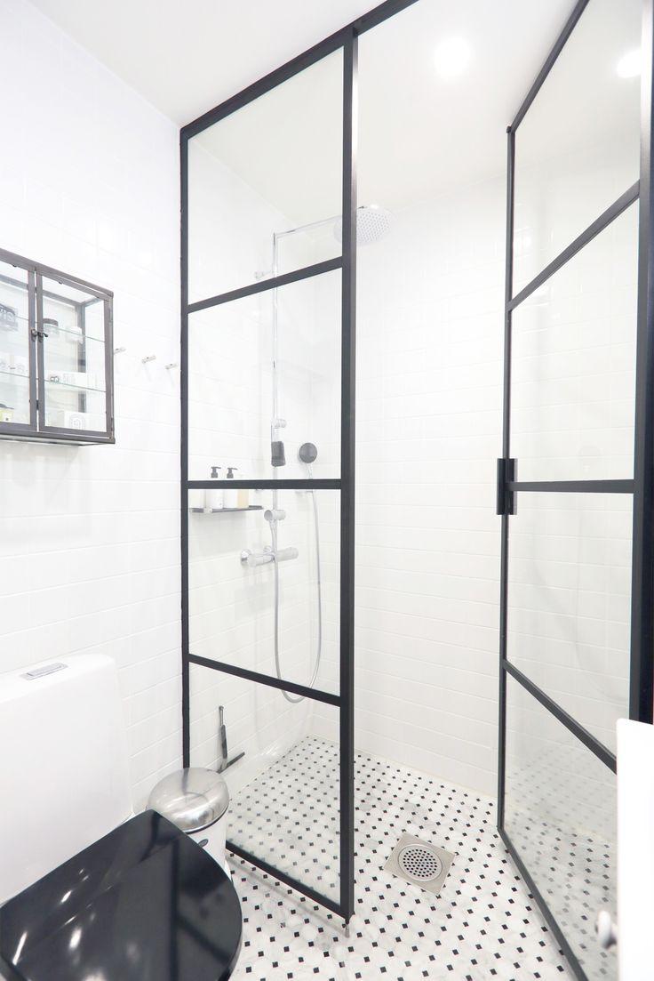 Seinänlaatat: Object Color II valkoinen kiiltävä, lattia Bernini Mosaico Bianco Carrara Nero Marquine Honed
