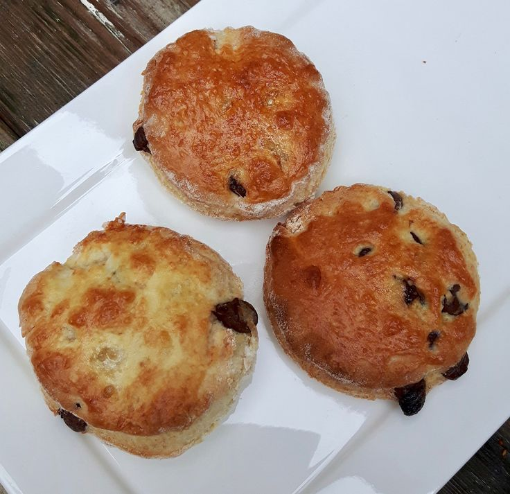 Homemade Scones with Chocolate | Zelfgemaakte scones met chocolade | @buttercupsister