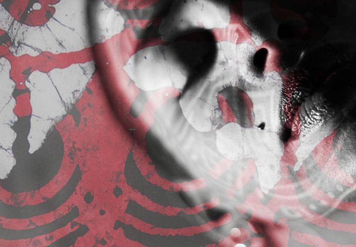"""Num repertório que vai da cultura popular à cultura urbana, a banda Dona Imperatriz, liderada pela cantora Thabata, lança oficialmente o CD Novidades Ancestrais. Com licença creative comons, o álbum está disponível para ouvir e baixar gratuitamente, no site www.thabata.art.br. O disco chega amplificando elementos da cultura popular, como tambores, batuques e ladainhas de capoeira,...<br /><a class=""""more-link""""…"""