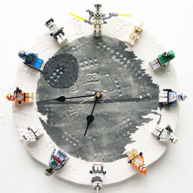 DIY LEGO StarWars (but could be any theme) clock. Clay and minifigs  @Jennifer Sturniolo get to work
