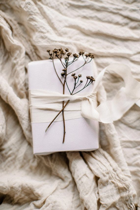 Organic gift wrapping inspiration | Wedding & Party Ideas | 100 Layer Cake