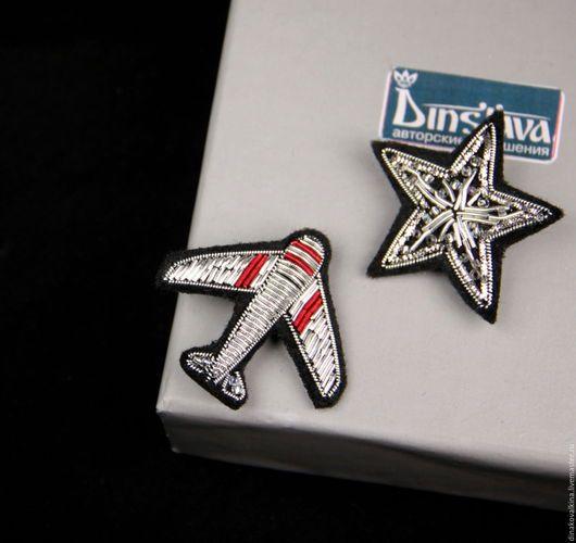 """Броши ручной работы. Ярмарка Мастеров - ручная работа. Купить Комплект брошей  """"Самолет и звезда  """" ручная вышивка .. Handmade."""