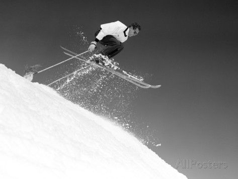 1950s Man Skier Skiing Down Slope Jumping into Air Fotografisk trykk hos AllPosters.no