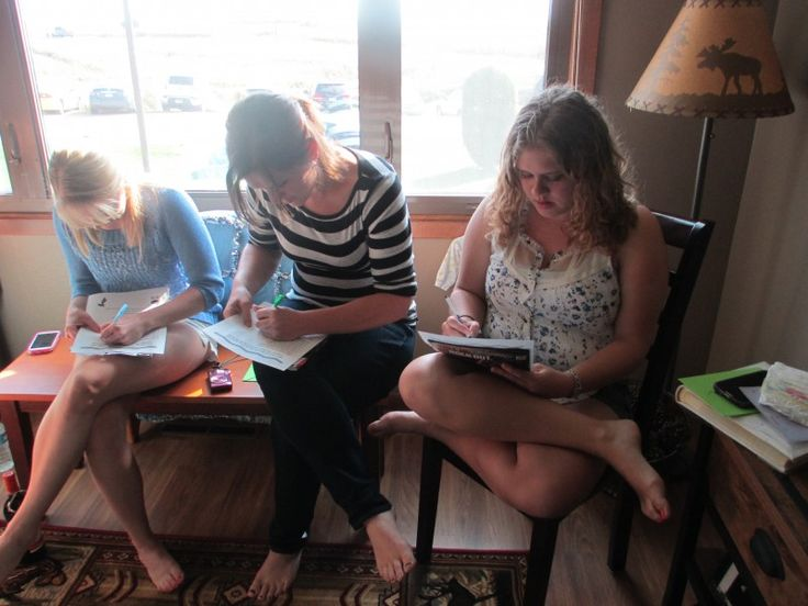 Are you planning a co-ed baby shower? Here are some awesome game ideas for a couple's shower. As you can see from the pictures we had games for both the guys and the ladies. Everyone got involved a…