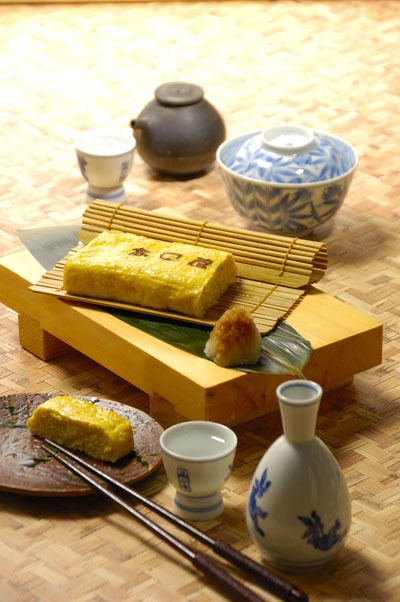 Dashimaki Tamagoyaki Egg Roll at Soba Noodle Restaurant (Yokohama, Japan)|そば屋のだし巻き玉子