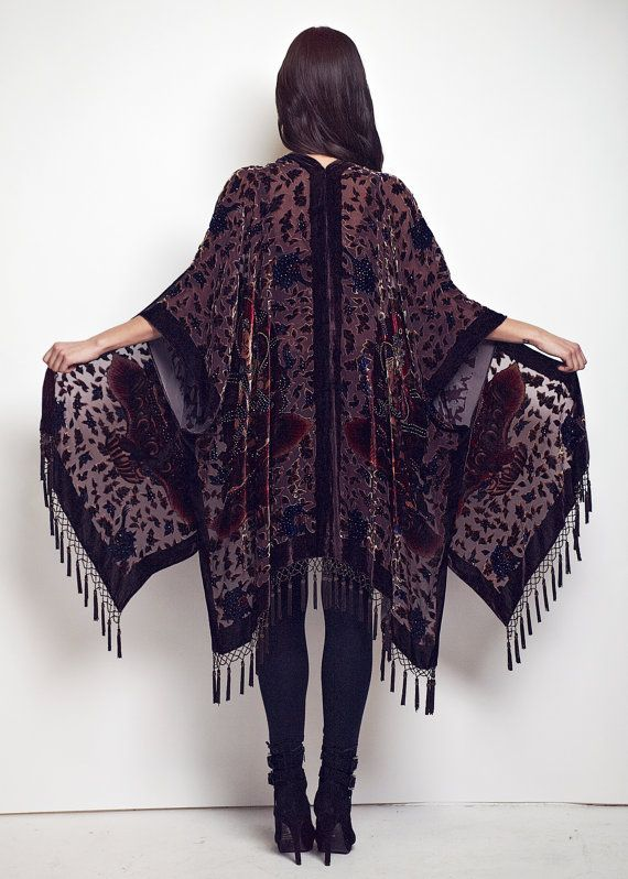 V E L V E T - B U D D H A - K I M O N O Drape yourself in this limited edition 100% silk Buddha burnout velvet devore kimono. Featuring enchanting