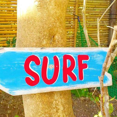 【134saki】さんのInstagramをピンしています。 《おや? 可愛い#SURF の文字発見にパシャリ💓🙌🌊 * 記録用に載せたからコメントOFF🙏💓 * いつもイイネ&コメント本当にありがとうございまーすッ😆🙏⤴⤴ * #sunnyfannyday#サニーファニーデイズ * #海#ビーチ#湘南#葉山#リゾート#サーフィン#サーフ#ビーチスタイル#サーフスタイル#サーファーガール#海大好き#sea#beach#genic_mag#genic_beach#surfing#serf》