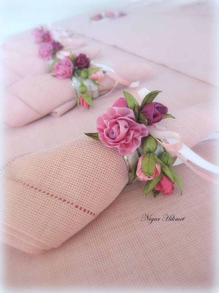 Tiny ribbonwork silk ribbon roses with rosebuds