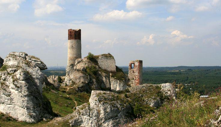 Zamki na Szlaku Orlich Gniazd budowano w XIV wieku. I choć czas obszedł się z…