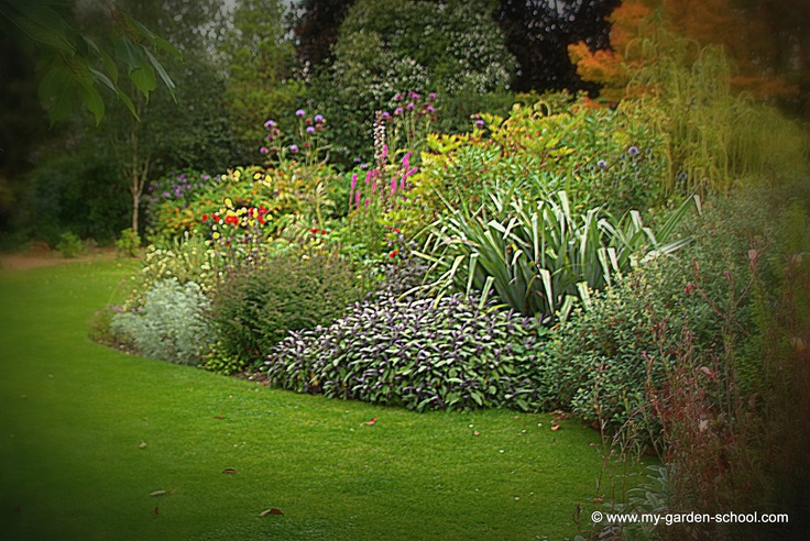 25 best ideas about garden design online on pinterest garden layout planner vegetable garden - Garden design john brookes ...