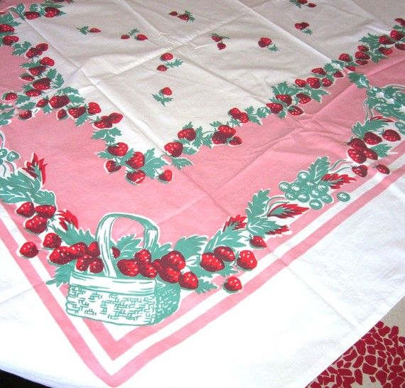 Vintage   Strawberry Strawberries Baskets Large Rectangle Tablecloth   SALE  Take OFF