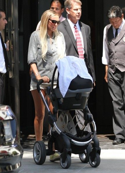 Petra Ecclestone and Her Family Out to Lunch