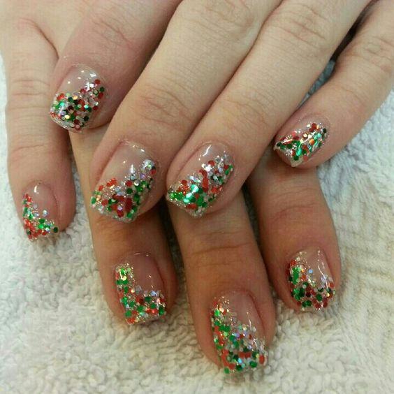 60+ Nail Art für Weihnachtsideen 46