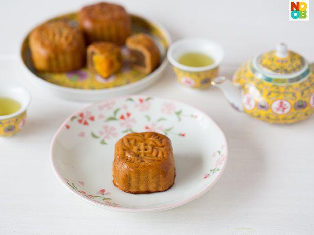 Traditional Baked Mooncakes RecipeAsian Goodies, Asian Bites, Asian Inspiration, Cooking Recipe, Traditional, Baking Mooncake, Http Recipese Food Vivaint Biz, Eating Asian, Culinary Recipe