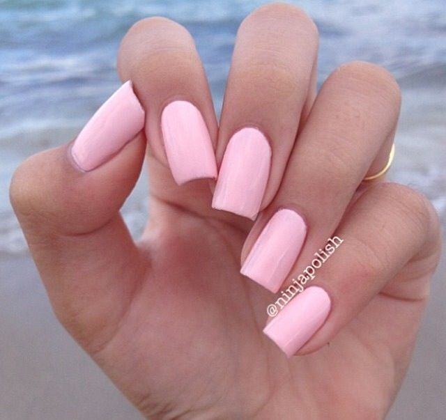 light pink nails trendy