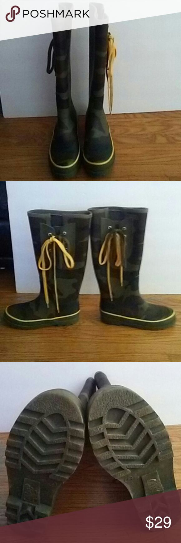 J crew camouflage rubber boots size 6 Nice rain boots in good condition. Has few light scratches J CREW Shoes Winter & Rain Boots