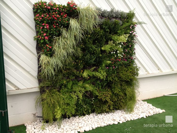 86 best images about jardin vertical on pinterest for Ideas de jardines verticales