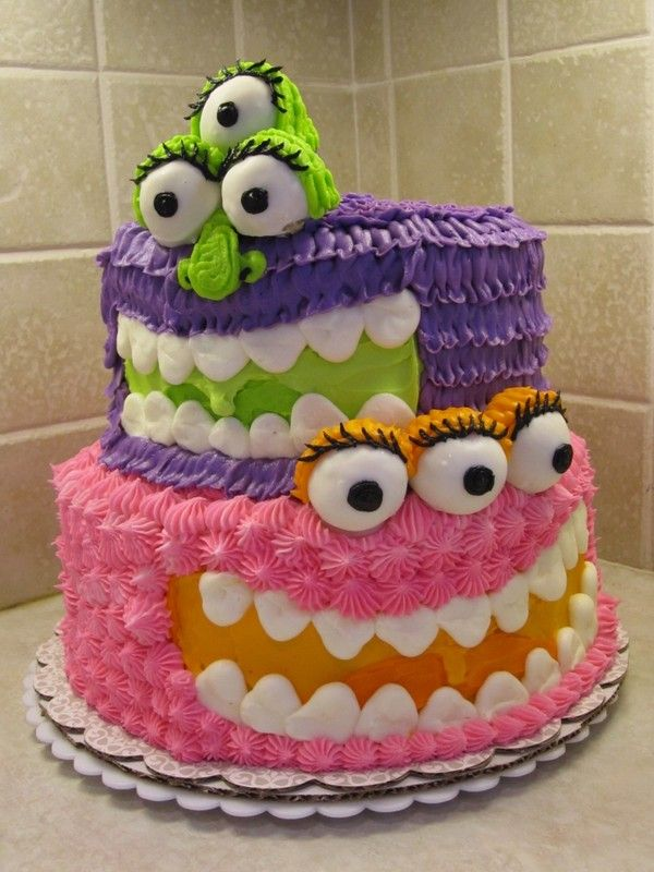 This cake would look so cute in a Monsters Inc themed birthday party. Or it would do fantastic for a fun Halloween kids party!