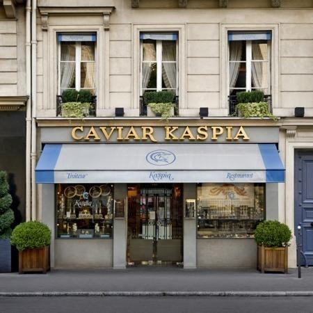 Caviar-kaspia-shop, Paris. 17 Place de la Madeleine, VIII. (cw2-10)