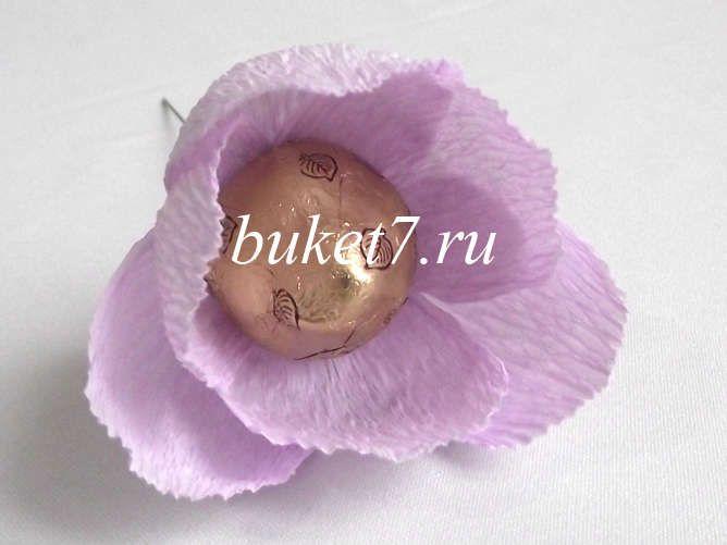 Сиреневый цветок из конфеты и гофрированной бумаги. Мастер-класс для начинающих. - Buket7.ru