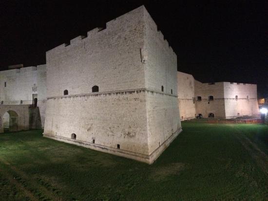 Fantasma nel Castello di Barletta? di MARIO CONTINO - Continuando il nostro viaggio tra i