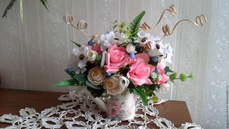 Купить Букет из роз и ягод в лейке в винтажном стиле - розовый, купить подарок