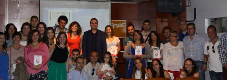 www.lafelicidadalavueltadelaesquina.com Presentación en Valencia