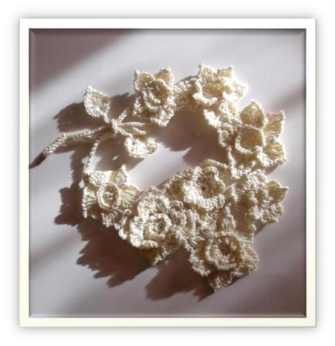 Free form crochet necklace. Fibreromance