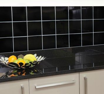 Ronseal Kaakelimaali Black High Gloss / Wall Tile Paint http://colornova.fi/
