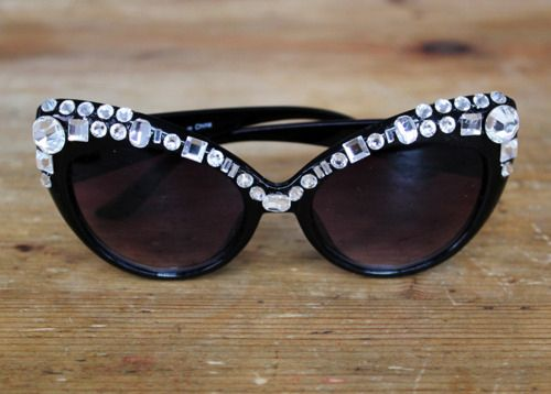 Sonia Rykel-inspired rhinestone sunnies | 18 Easy Ways To Spruce Up Your Sunglasses