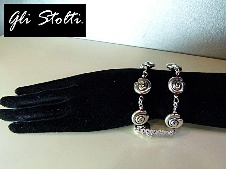 """Bracciale in metallo """"Spirali"""". Gli Stolti Original Design. Handmade in Italy. http://gli-stolti.blogspot.it/2014/04/bracciali-gli-stolti-aprile-2014.html #moda #artigianato #design #madeinitaly #shopping #roma #bijoux"""