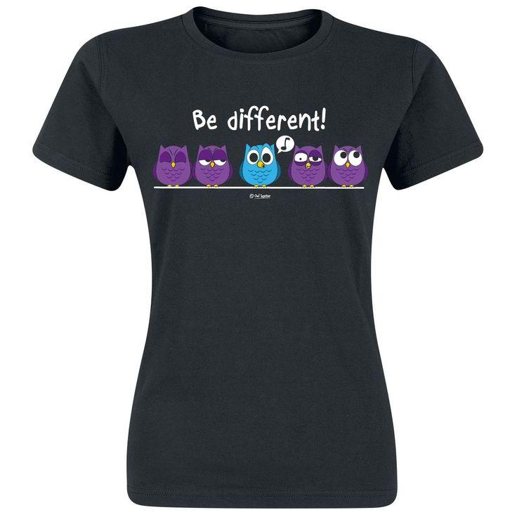 Be Different!  - print op de voorkant - ronde hals - zwart girls shirt  Wees anders en ga rockend door het leven! Het zwarte