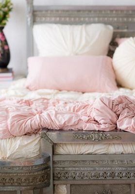 Bed Ideas For Girls With Clouds And Fluffy Pillowes