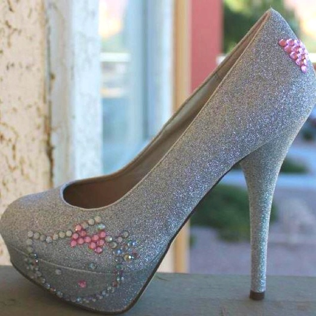 Hello kitty shoes !