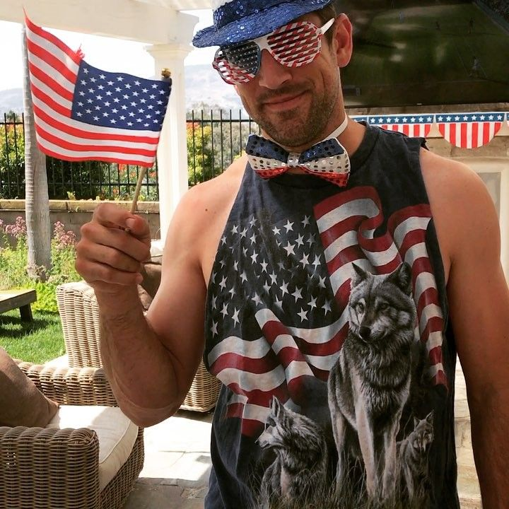 Aaron Rodgers sports ridiculous 4th of July outfit